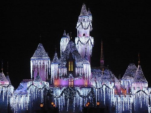 disneyland-christmas-castle2